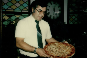 Tony's Pizza Restaurant in Central Valley, California / Lindsay